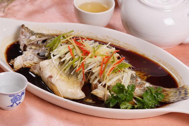 ケツギョ蒸し(清蒸桂魚)